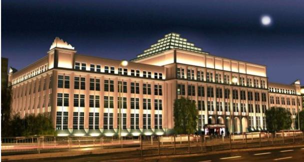 Po zmroku Budynek Główny SGH prezentuje się imponująco
