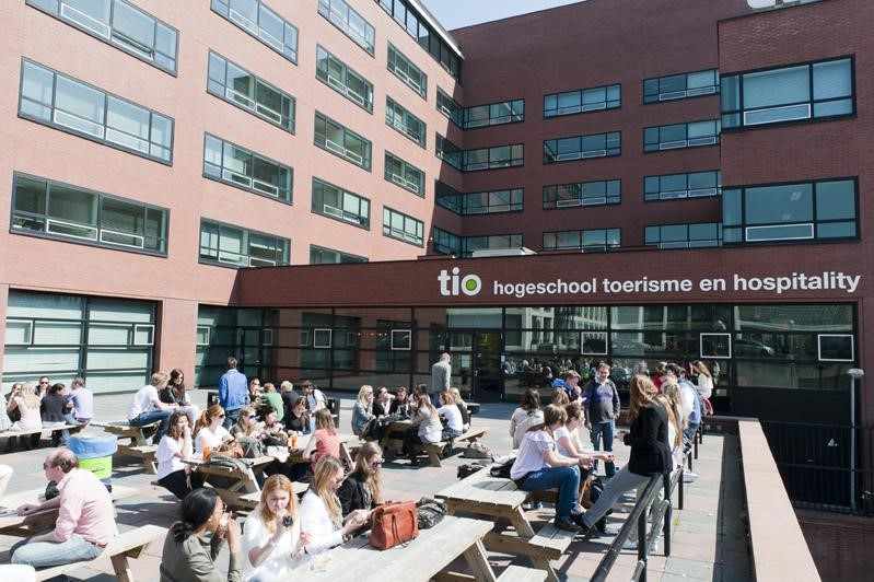 Przerwa w Hogeschool Tio Fot. http://www.sigids.nl/wp-content/uploads/2014/07/TioAmsterdam.jpg