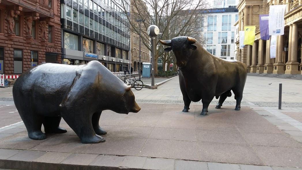 Byk i niedźwiedź – symbol Giełdy Papierów Wartościowych we Frankfurcie, źródło: zbiór własny autora