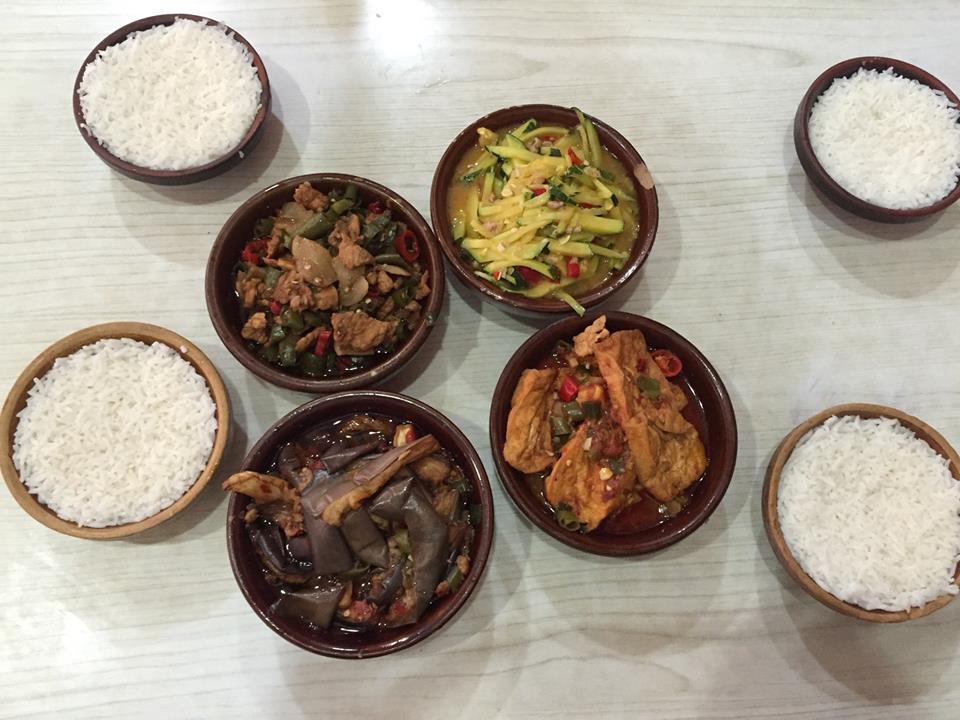 Większośc jedzenia z południa Chiń naszprycowane jest ostrymi papryczkami.