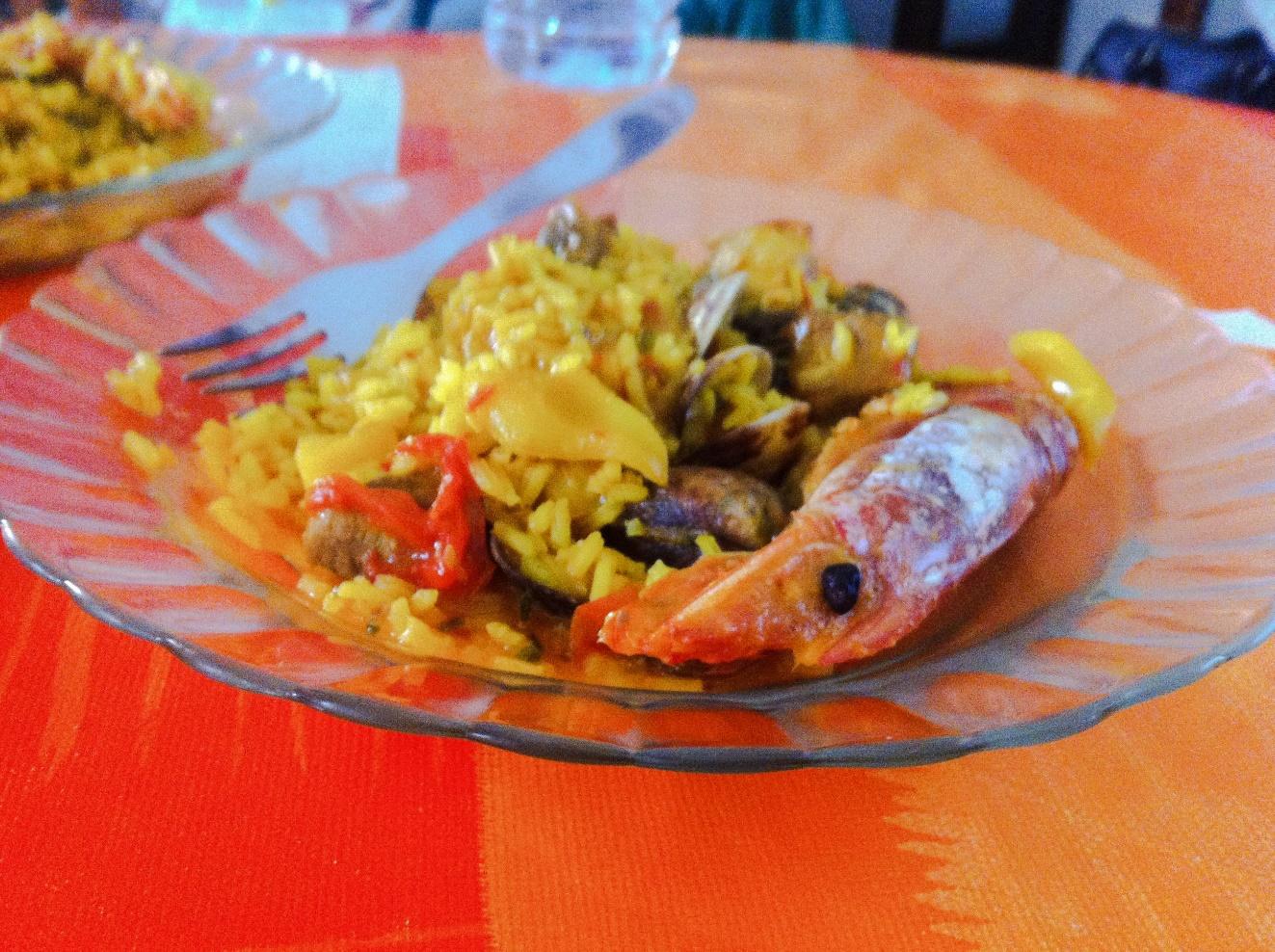 Pyszna Paella przygotowana przez moją hiszpańską przyjaciółkę, Źródło własne autora