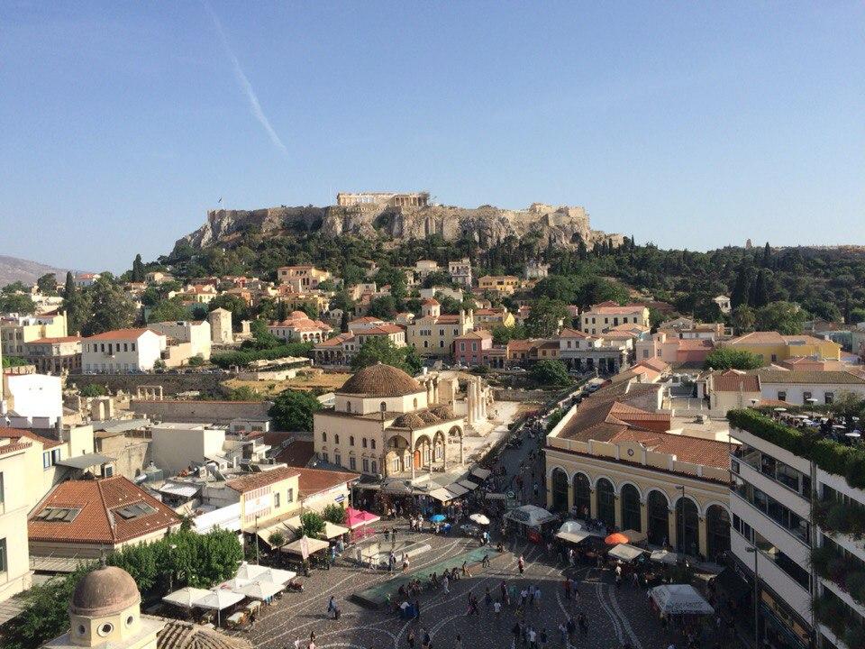 Widok na Akropolis i starą część miasta