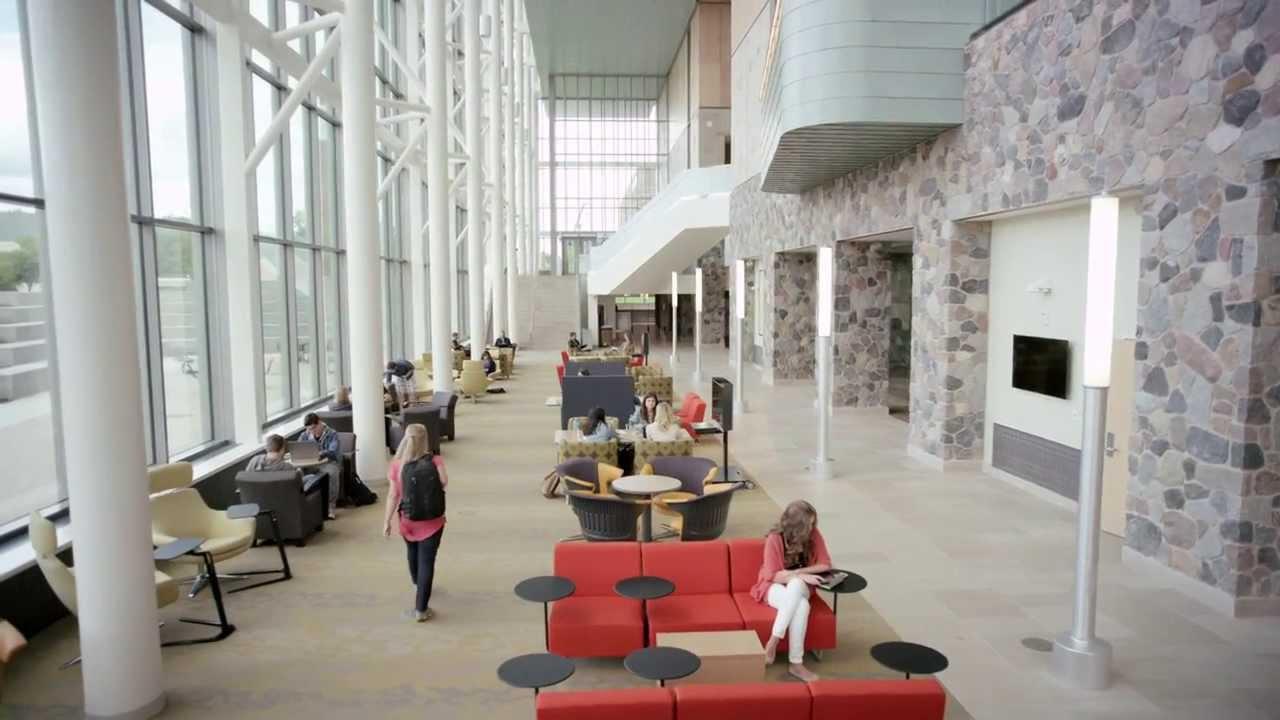 Biblioteka Mery Idema Pew w środku. Źródło: google