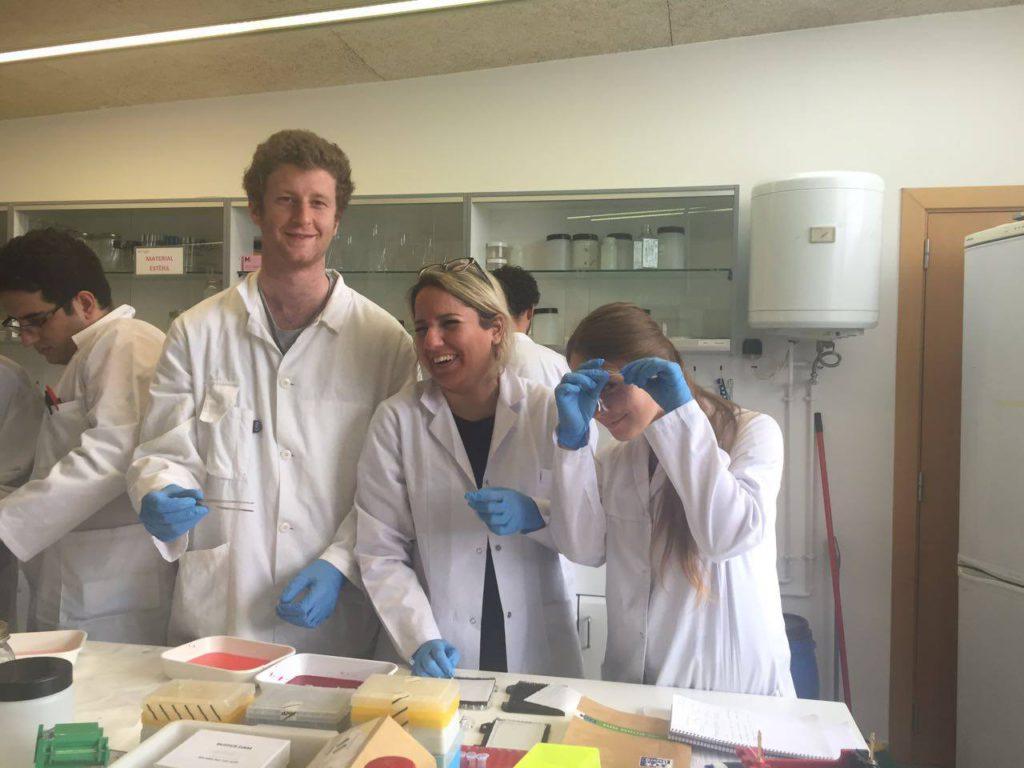 Laboratoria z zajęć biotechnologii, źródło: własne